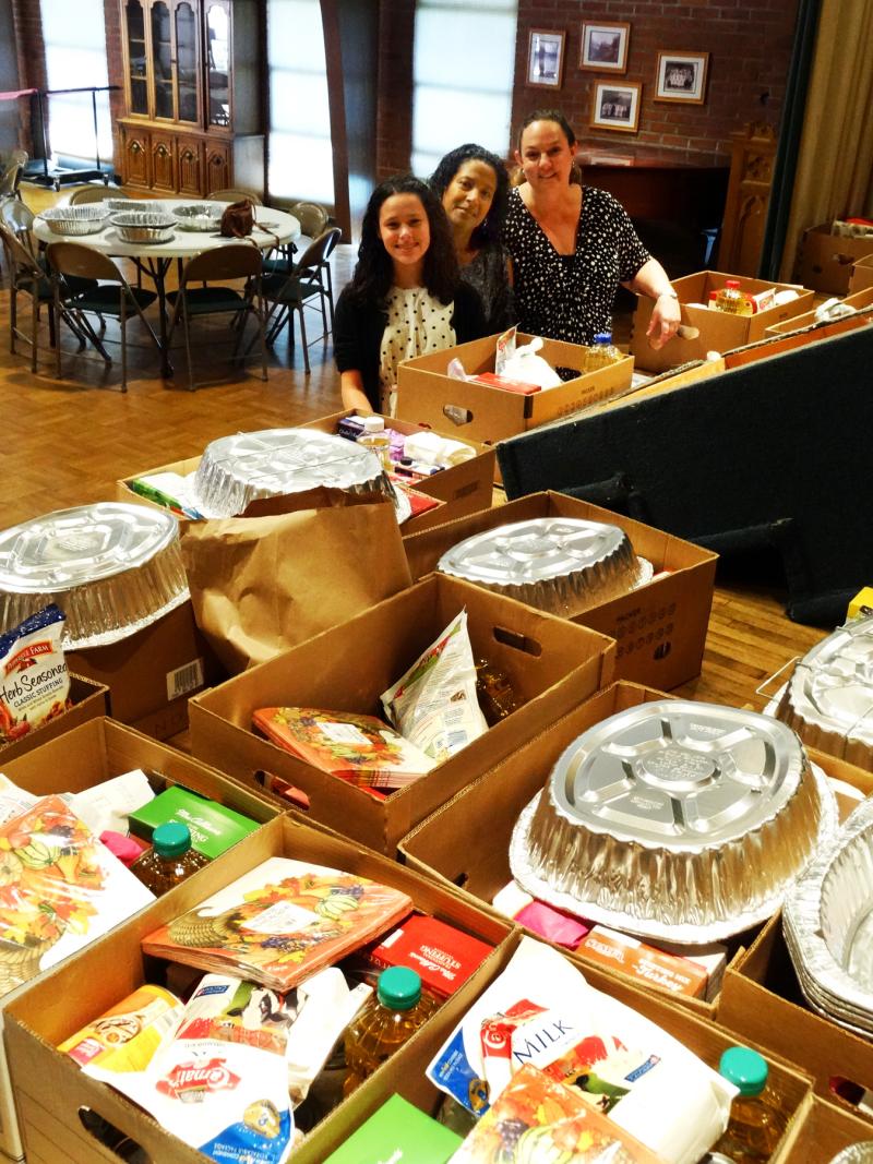 11-19-17 Sophia and Berangere Tucker and Kari Morgan with Thanksgiving boxes